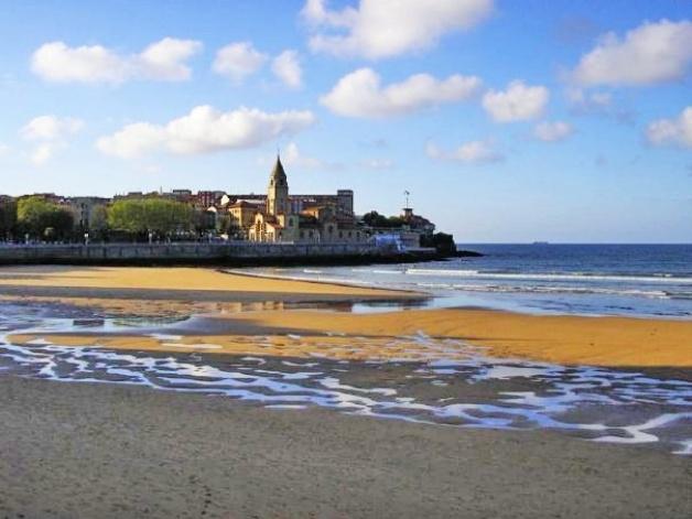 Foto de playa de san lorenzo gij n cristina ferreras - Fotos sporting de gijon ...